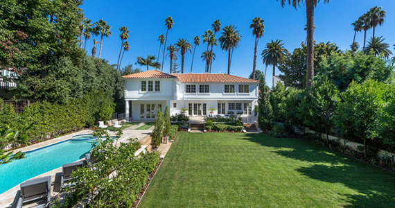 Chinese buying mansion in Beverly Hills
